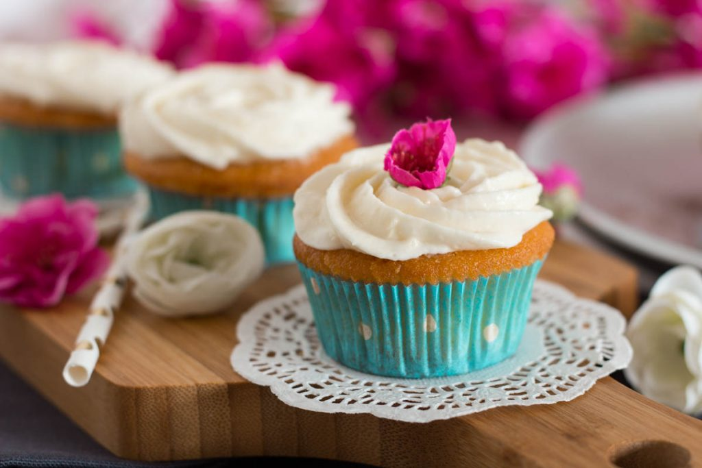Blogevent RE•CREATE - Vanille-Buttermilch Cupcakes 2.0